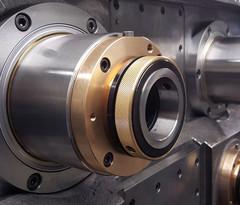 Hellmerich Pinolen-Einheit für die Bearbeitung von Stationär-Dieselaggregaten