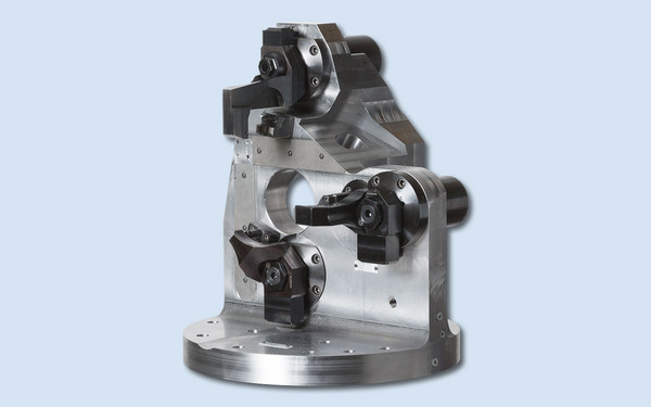 Clamping fixture for machining center