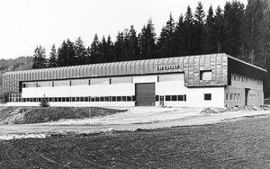 1985: Neubau Fertigungshalle in Seeboden